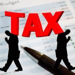 公務員数が減っても税金が減っていないカラクリとは?